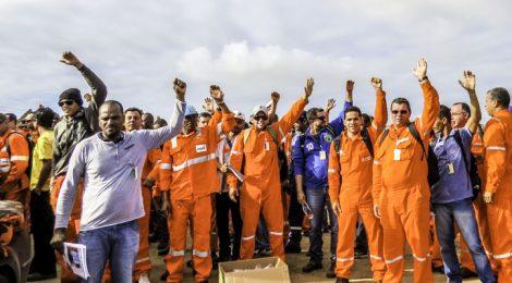 Por um voto, petroleiros vencem disputa bilionária com Petrobras no TST