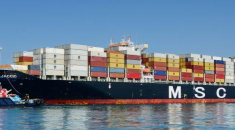 MSC Ajaccio faz história ao ser o navio de maior calado a operar no Porto de Santos