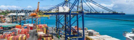 Tecon Salvador atende navios em sua capacidade máxima de calado