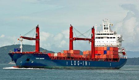 Companhias buscam navios para depender menos de caminhões