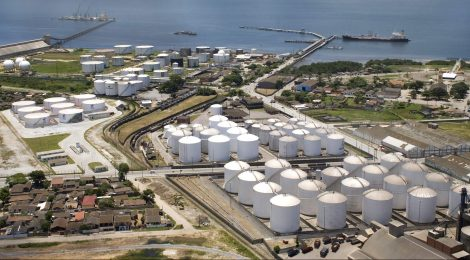 Três empresas vão disputar área de granéis líquidos no porto de Santos