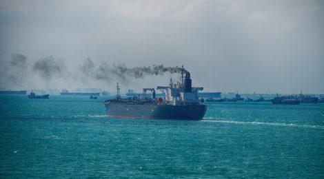 Instituições financeiras fortalecem postura sobre emissões de CO2 na indústria marítima