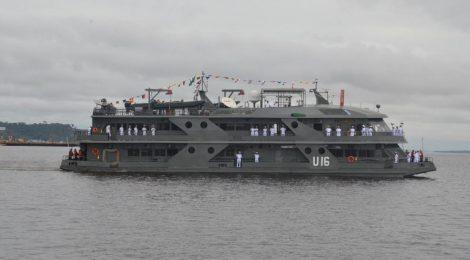 Navio hospital da Marinha inicia operação de atendimento a ribeirinhos do Rio Juruá