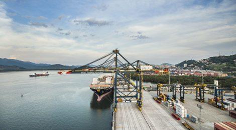 Brasil Terminal Portuário recebe novos equipamentos operacionais