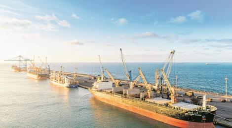 Roterdã implementa mudanças operacionais no Porto do Pecém