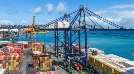 Tecon Salvador investe na cabotagem como solução logística para os clientes